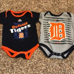 Detroit Tigers short sleeve onesies by Majestic